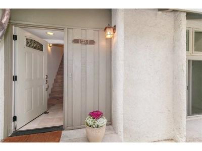 Studio City Condo/Townhouse For Sale: 11738 Moorpark Street #F