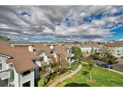 Canyon Country Condo/Townhouse For Sale: 26857 Claudette Street #134
