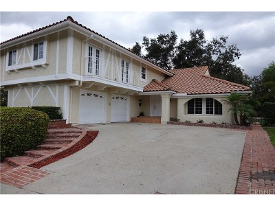 Thousand Oaks Single Family Home For Sale: 701 Whispering Oaks Place