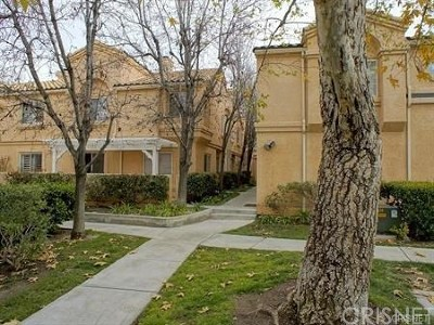 Stevenson Ranch Condo/Townhouse For Sale: 25138 Steinbeck Avenue #D