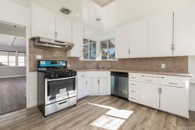 Canoga Park Single Family Home For Sale: 21920 Strathern Street