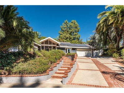 Northridge Single Family Home For Sale: 19547 San Jose Street