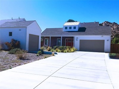 Chatsworth Single Family Home For Sale: 10877 Bee Canyon