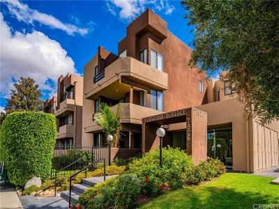 Canoga Park Condo/Townhouse For Sale: 7826 Topanga Canyon Boulevard #81