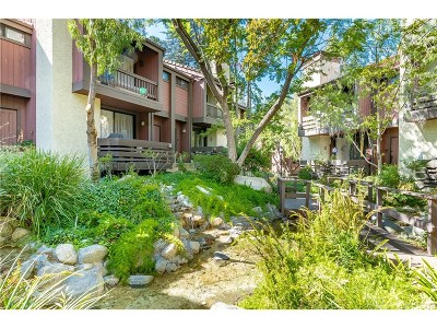 Woodland Hills Condo/Townhouse For Sale: 21931 Burbank Boulevard #12