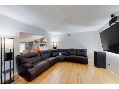 Granada Hills Single Family Home For Sale: 10535 Gaviota Avenue