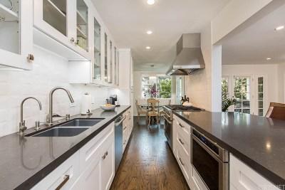 Santa Monica CA Condo/Townhouse For Sale: $1,249,999