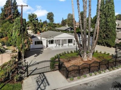 Single Family Home For Sale: 9403 Vanalden Avenue