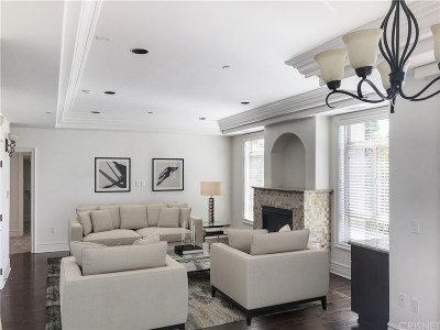 Studio City Condo/Townhouse For Sale: 11582 Moorpark Street #PH 3