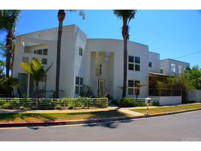 Los Angeles County Residential Income For Sale: 12156 Leven