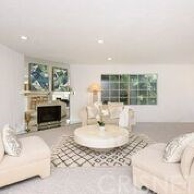 Sherman Oaks Condo/Townhouse For Sale: 14600 Dickens Street #202