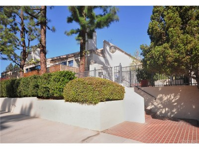 Encino Condo/Townhouse For Sale: 17711 Margate Street #309