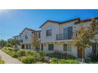Canyon Country Condo/Townhouse For Sale: 27924 Avalon Drive