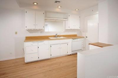 Canoga Park Single Family Home For Sale: 8604 Remmet Avenue
