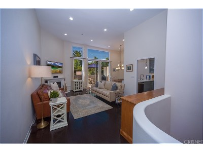 Studio City Condo/Townhouse For Sale: 12917 Valleyheart Drive #11