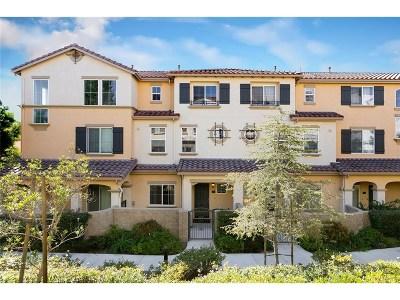 Granada Hills Condo/Townhouse For Sale: 15645 Odyssey Drive #70