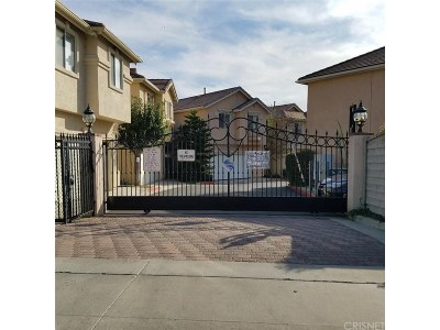 Sylmar Condo/Townhouse For Sale: 15232 Foothill Boulevard #108