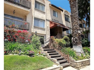 Valley Village Condo/Townhouse For Sale: 12321 Riverside Drive #106