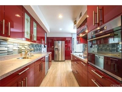 Sherman Oaks Condo/Townhouse For Sale: 5411 Tyrone Avenue #106