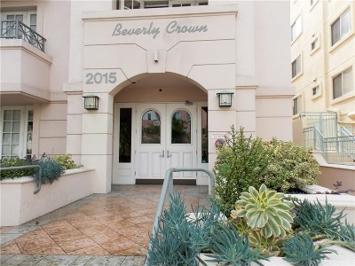 Condo/Townhouse For Sale: 2015 South Beverly Glen Boulevard #302
