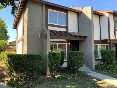 Reseda Condo/Townhouse For Sale: 19000 Archwood #1