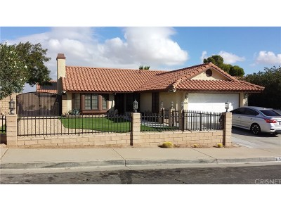 Palmdale Single Family Home For Sale: 561 Morningside Terrace