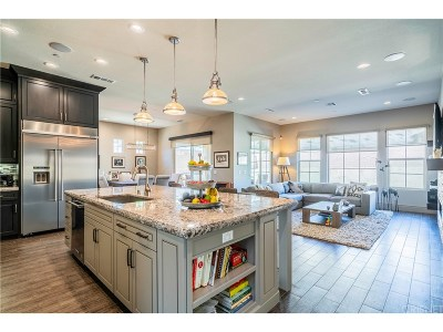 West Hills Single Family Home For Sale: 23933 Schoenborn Street