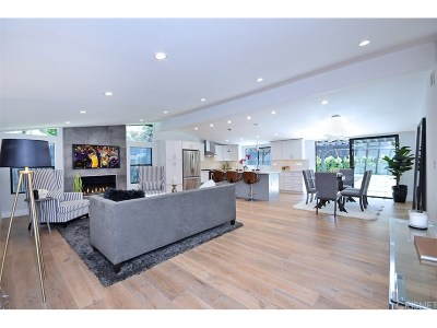 Woodland Hills Single Family Home For Sale: 22776 Calabash Street