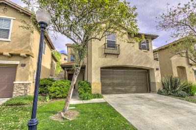 Canyon Country Condo/Townhouse For Sale: 27656 Heather Ridge Way