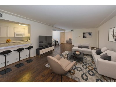 Sherman Oaks Condo/Townhouse For Sale: 5050 Coldwater Canyon Avenue #206