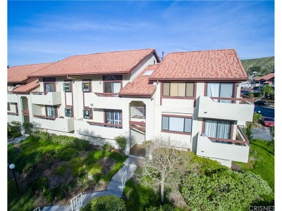 Canyon Country Condo/Townhouse For Sale: 18182 Sundowner Way #1027