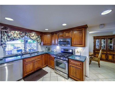 Canyon Country Single Family Home For Sale: 27546 Fairport Avenue