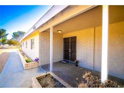 Lancaster Single Family Home For Sale: 43111 50th St. West