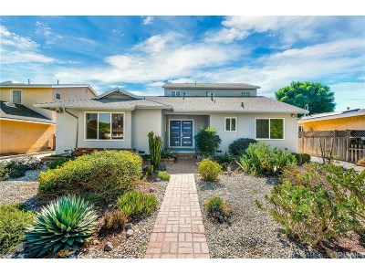 Tarzana Single Family Home For Sale: 19002 Friar Street