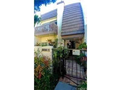 Tarzana Condo/Townhouse For Sale: 18332 Collins Street #F