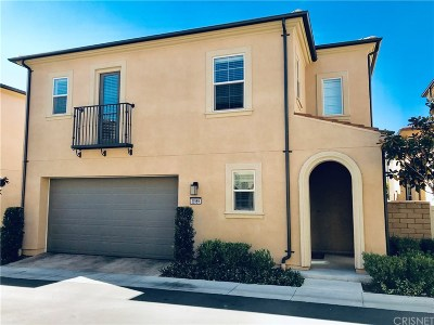Saugus Condo/Townhouse For Sale: 21989 Propello Drive