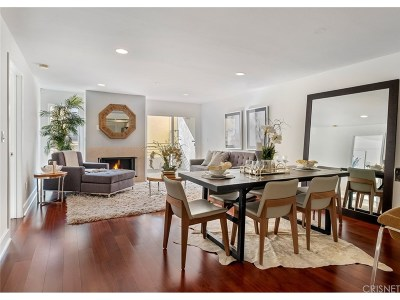 Hollywood Hills Condo/Townhouse For Sale: 1951 North Beachwood Drive #206