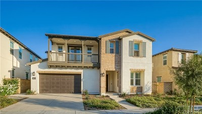 Saugus Single Family Home For Sale: 27668 Skylark Lane