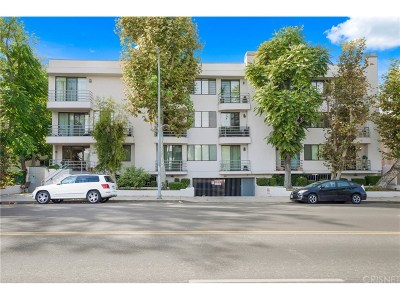 Sherman Oaks Condo/Townhouse For Sale: 4619 Kester #16