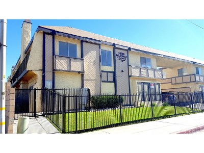 Palmdale Condo/Townhouse For Sale: 38710 10th Street East #1