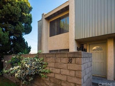 Northridge Condo/Townhouse For Sale: 8633 Balboa Boulevard #30