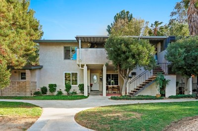 Newhall Condo/Townhouse For Sale: 19702 Spanish Oak Drive