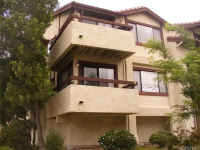 Canyon Country Condo/Townhouse For Sale: 18143 Sundowner Way #963