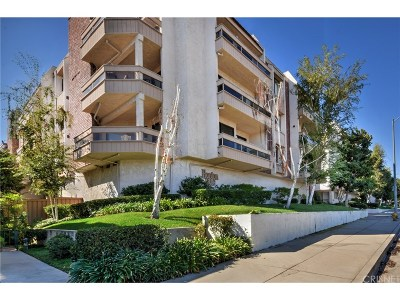 Encino Condo/Townhouse For Sale: 17130 Burbank Boulevard #301