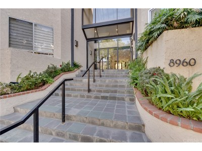 Los Angeles County Condo/Townhouse For Sale: 8960 Cynthia Street #207