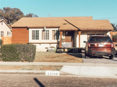 Compton Single Family Home For Sale: 14318 South Cairn Avenue