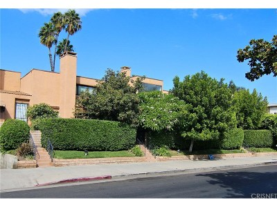 Encino Condo/Townhouse For Sale: 5211 Yarmouth Avenue #10