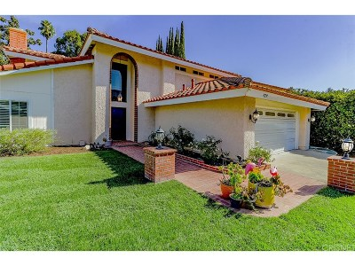 Thousand Oaks Single Family Home For Sale: 929 Newbury Road