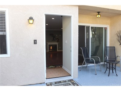 Reseda Condo/Townhouse For Sale: 8011 Canby Avenue #3
