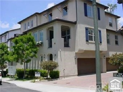 Irvine Condo/Townhouse Active Under Contract: 193 Lockford